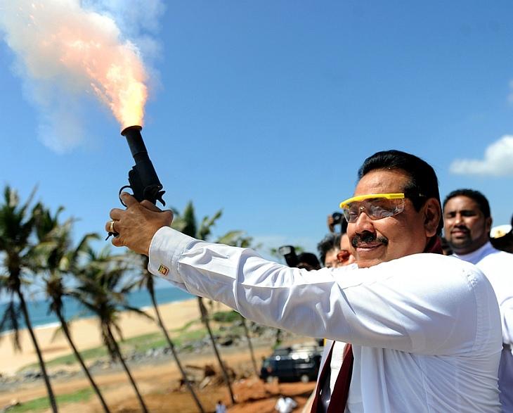 Премьер-министр Шри-Ланки Махинда Раджапаксе стал президентом страны