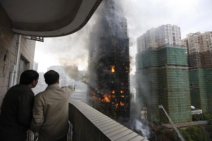 Крупнейший за последние годы пожар в Шанхае