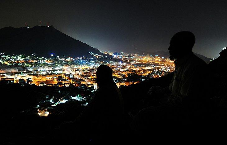 Вид на Мекку с вершины горы Нур, где находится пещера Хираа