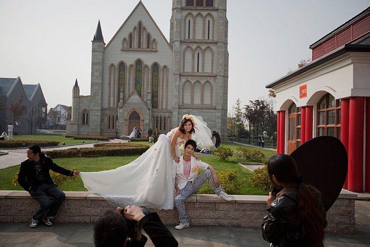 Свадебные фотографии в городе Темза