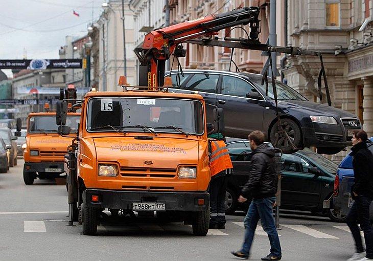 Новый московский мэр дал задание зачистить центр города от припаркованных автомобилей