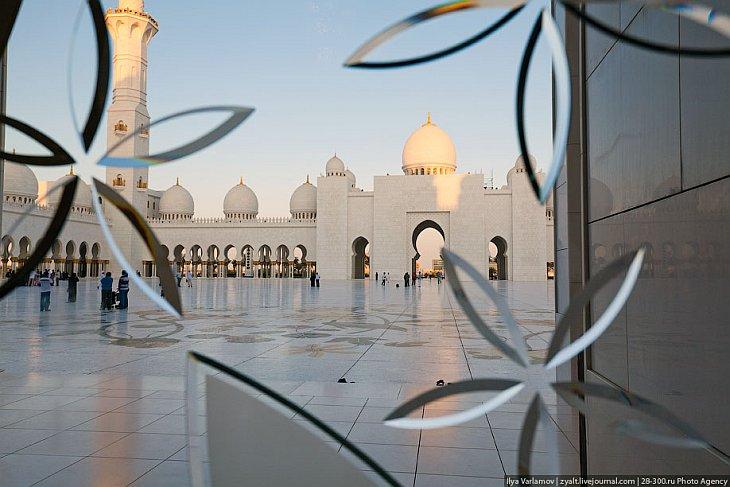 Мечеть шейха Зайда в Объединенных Арабских Эмиратах