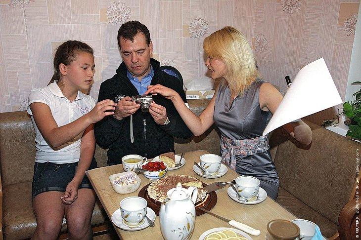 Дмитрий Медведев с фотоаппаратом