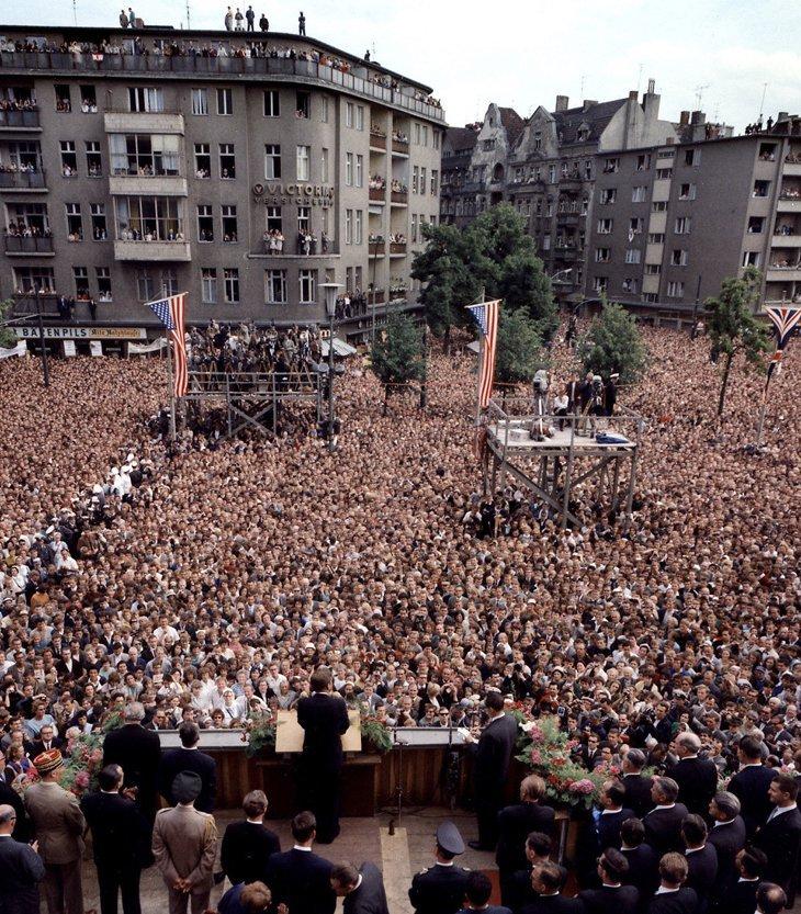 Президент Кеннеди обращается к народу Берлина