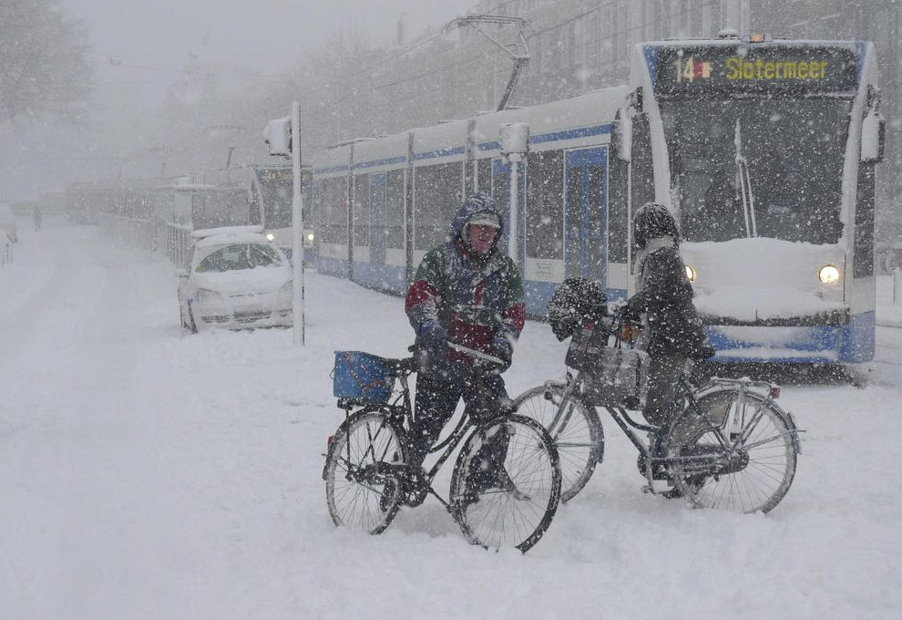 На всю Европу обрушился еще один циклон под названием «Петра»