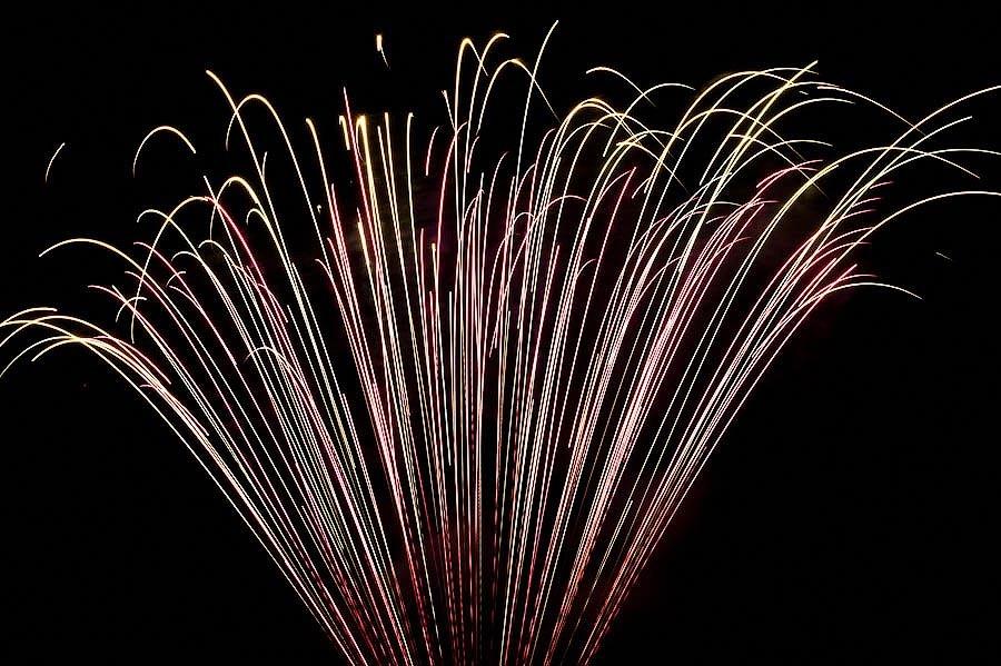 Как «отстреливают» фейерверки