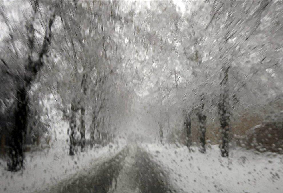 Штормы на Ближнем Востоке и снегопады на Среднем Западе