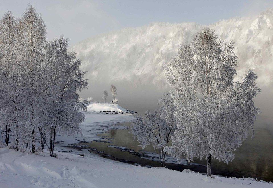 Туман окутал берега Енисея в Дивногорске