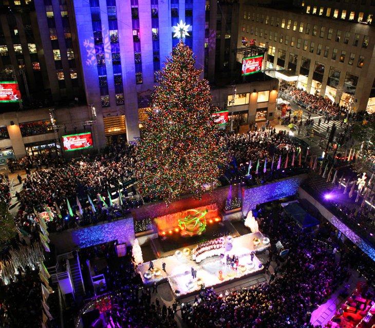 Рокфеллер-центре состоялась 78-я ежегодная церемония зажжения Рождественской елки