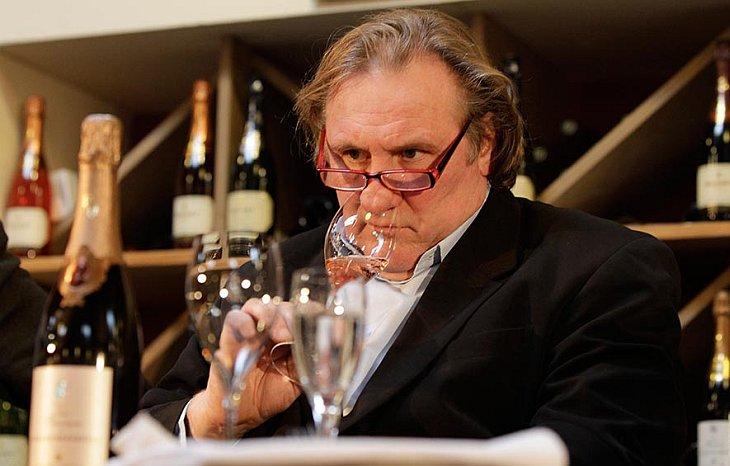 30 ноября 2010 Жерар Депардье представил  в берлинском винном магазине Paasburg новую коллекцию вина из его собственной винодельни