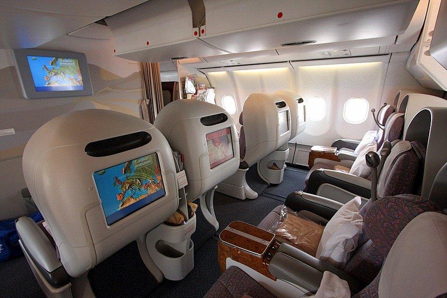 Чиновники не спешат отказаться от авиаперелетов бизнес-классом
