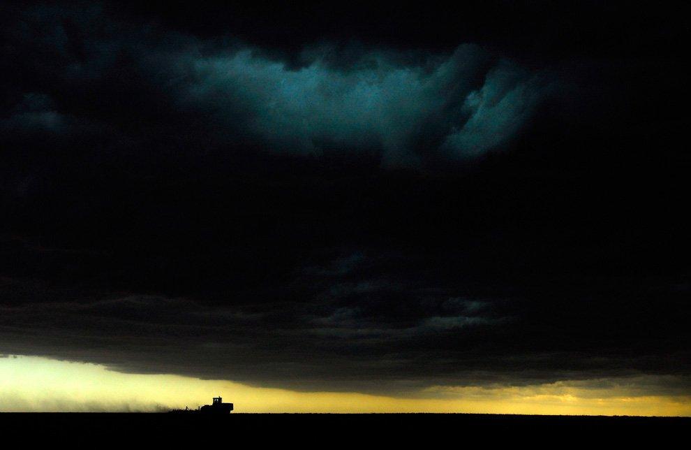Проливные дожди, ветер, град и торнадо обрушились летом на северо-западную часть штата Канзас