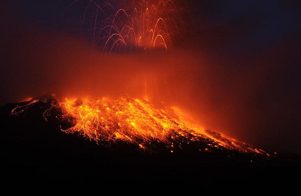 Извержение вулкана Tungurahua в Эквадоре