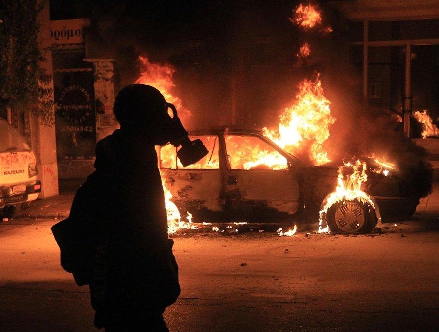 6 декабря 2010 произошли столкновения с ОМОНом в городе Афины
