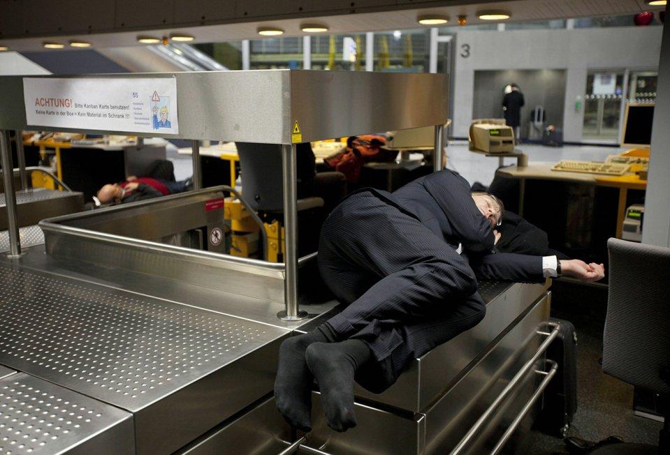 В аэропорту Франкфурта из-за сильного снегопада были отменены рейсы