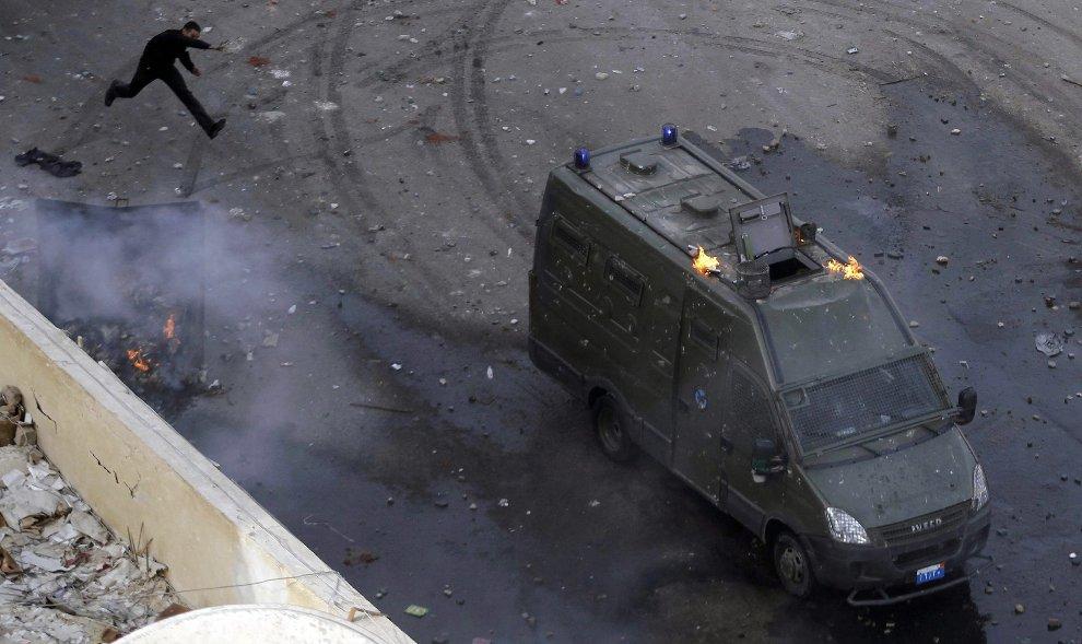 Особенно агрессивны протестующие были в портовом городе Суэц