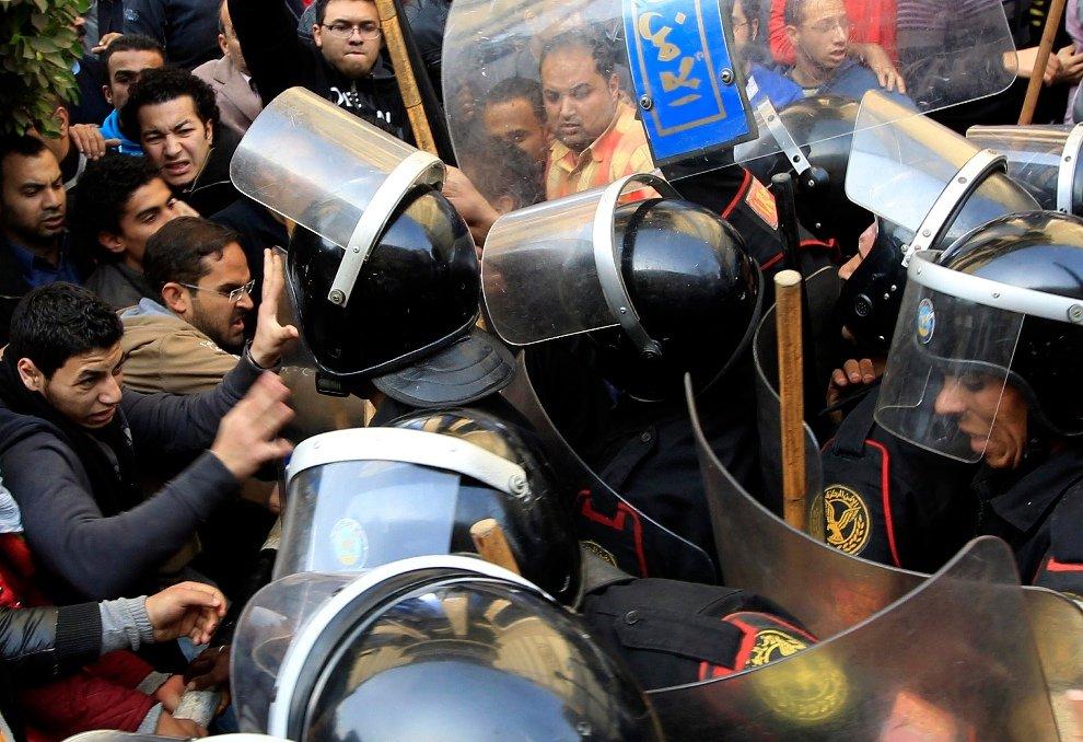 Столкновения с полицейскими