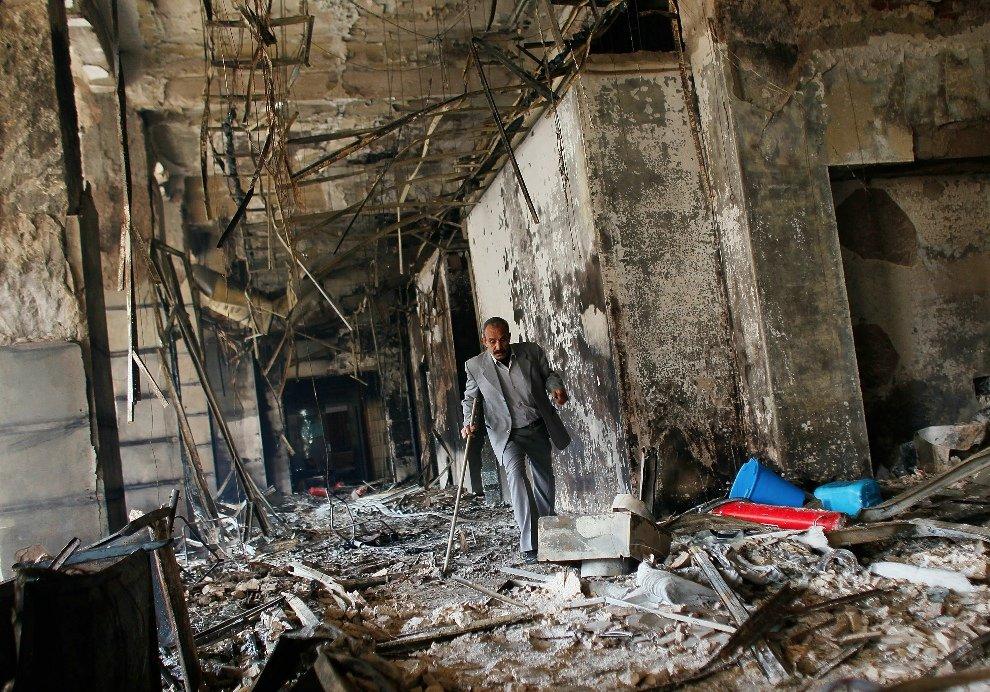 Обугленные остатки здания правительства в Каире
