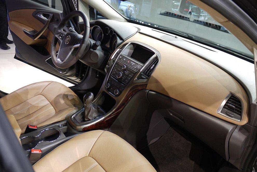 Седан Buick Verano 2012
