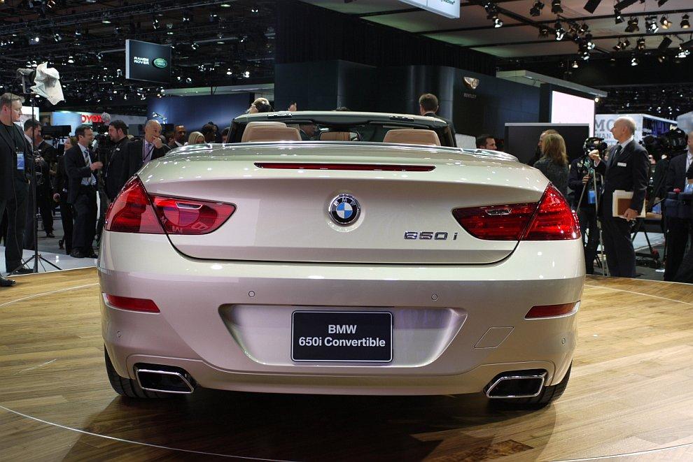 Автомобиль с откидным верхом BMW 650i 2012