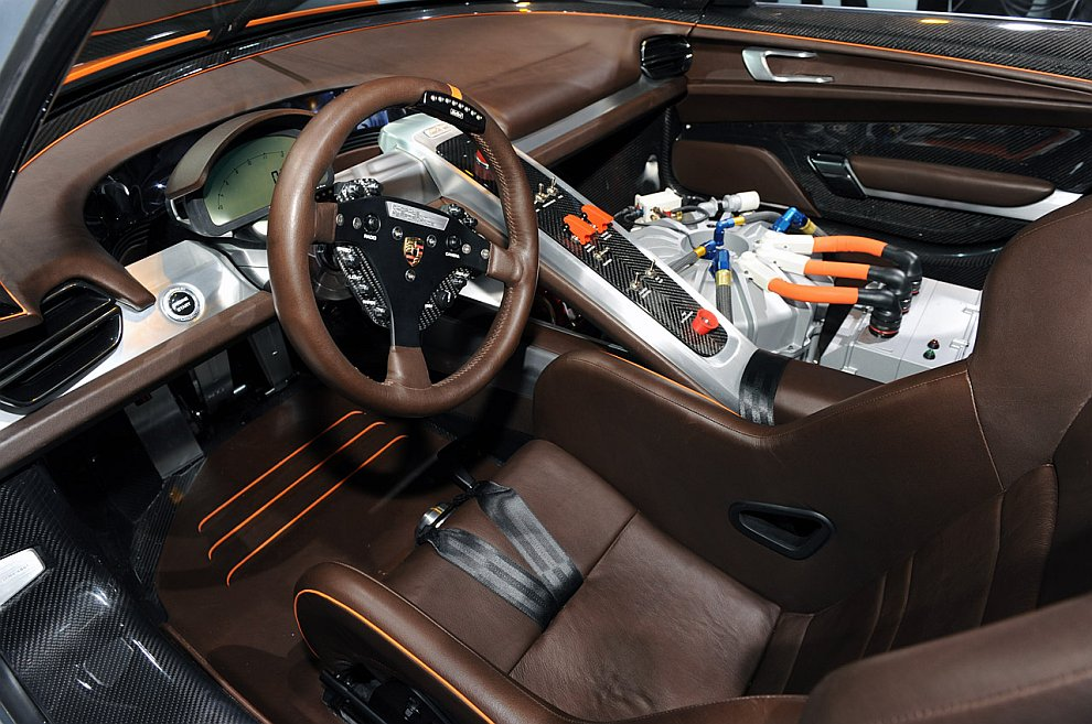 Концепт-кар Porsche 918 RSR