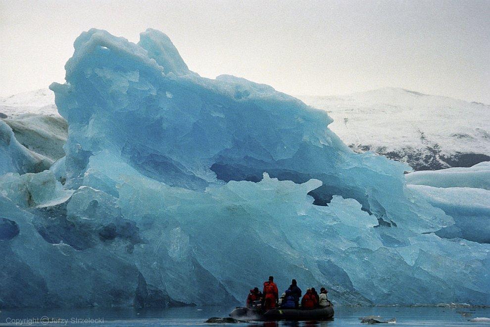Гренландия. Голубой айсберг