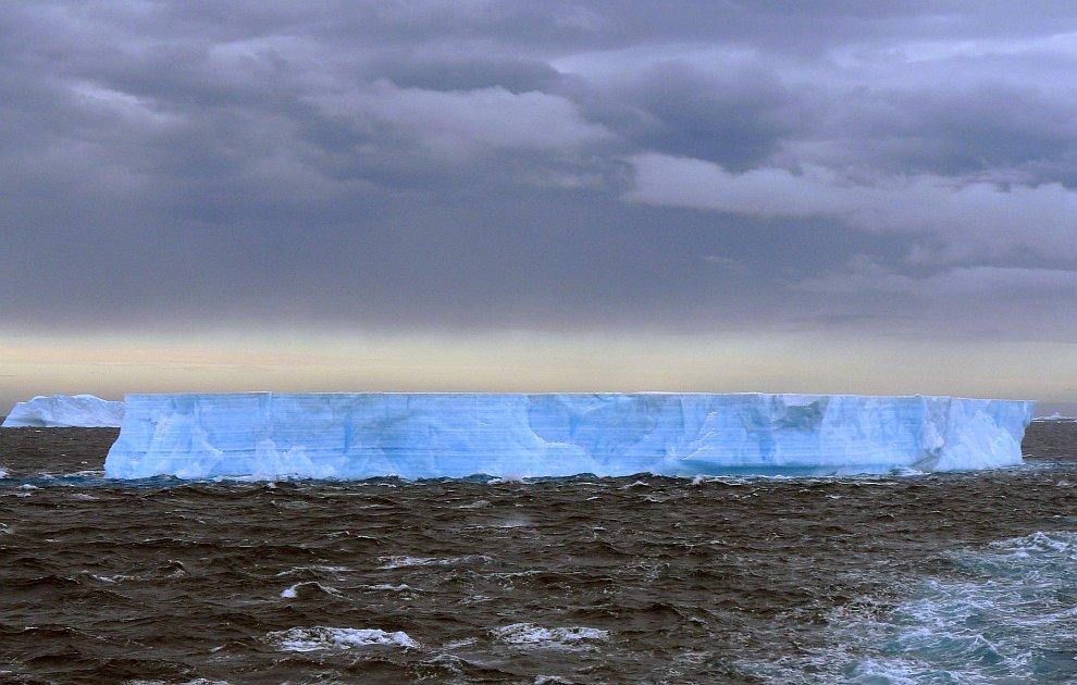 Еще один голубой айсберг