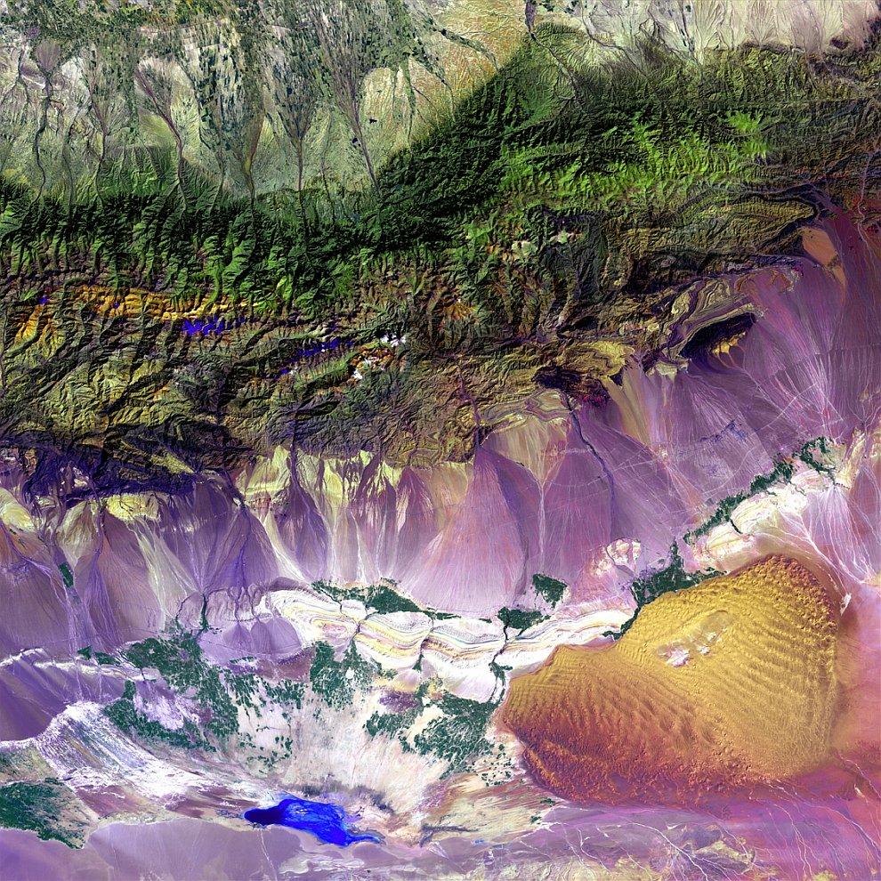 Турфанская впадина у подножия Богдо-Ула