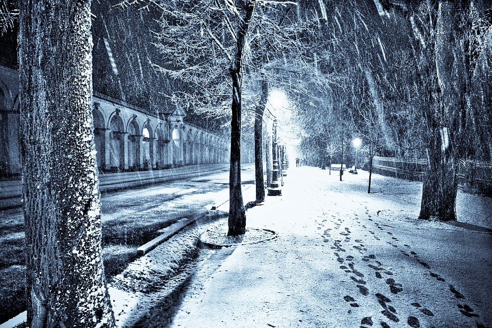 Снегопад в рождественскую ночь в городе Виченца, Италия