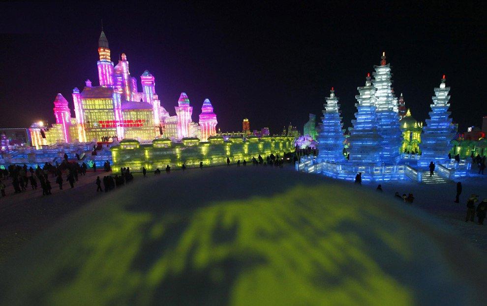 Фестиваль снежных и ледяных скульптур в Харбине