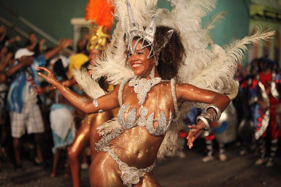 Латинский карнавал порно