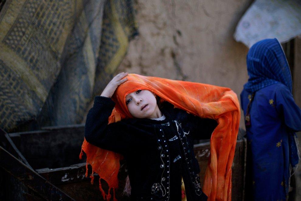 Дети афганских беженцев