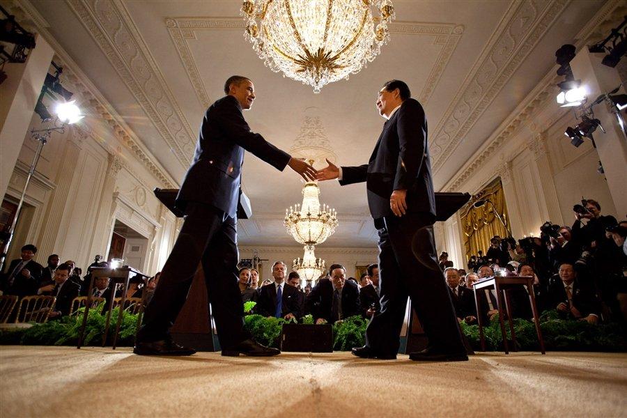Два самый могущественных человека на Земле по версии журнала Форбс — президент США Барак Обама и председатель КНР Ху Цзиньтао