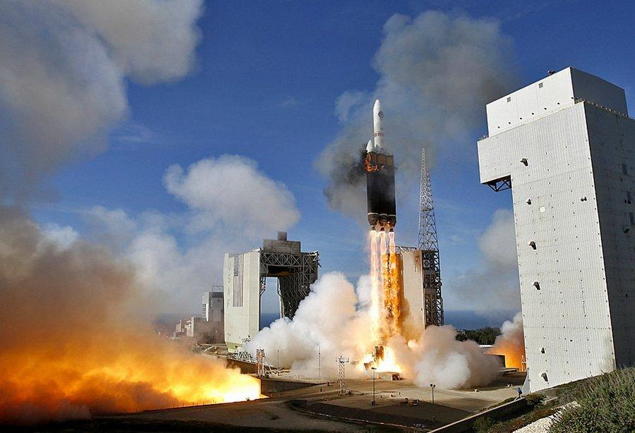 На базе ВВС Ванденберг в США запустили ракету-носитель Дельта-4