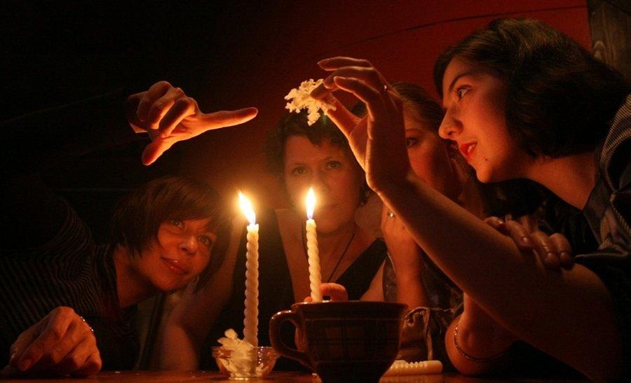Святочные гадания в Рождественскую ночь
