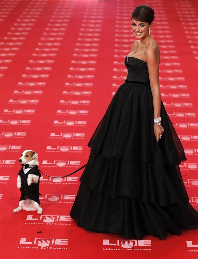 Испанская модель Мария Рейес со своей собачкой Панчо