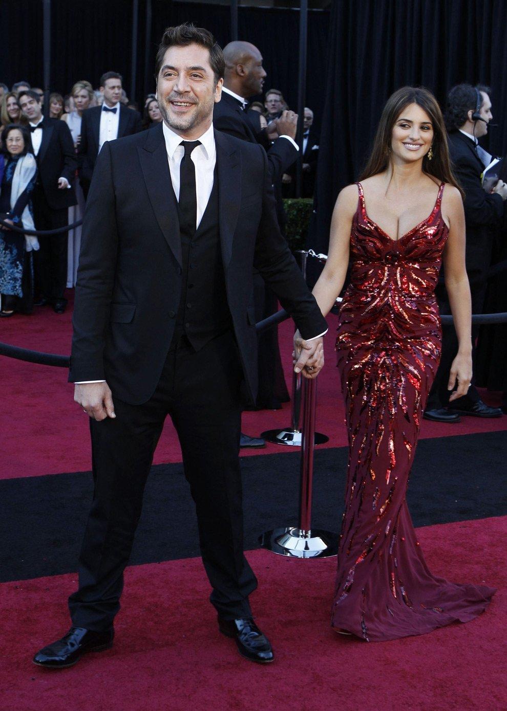 Испанский актер Хавьер Бардем и его жена, актриса Пенелопа Круз