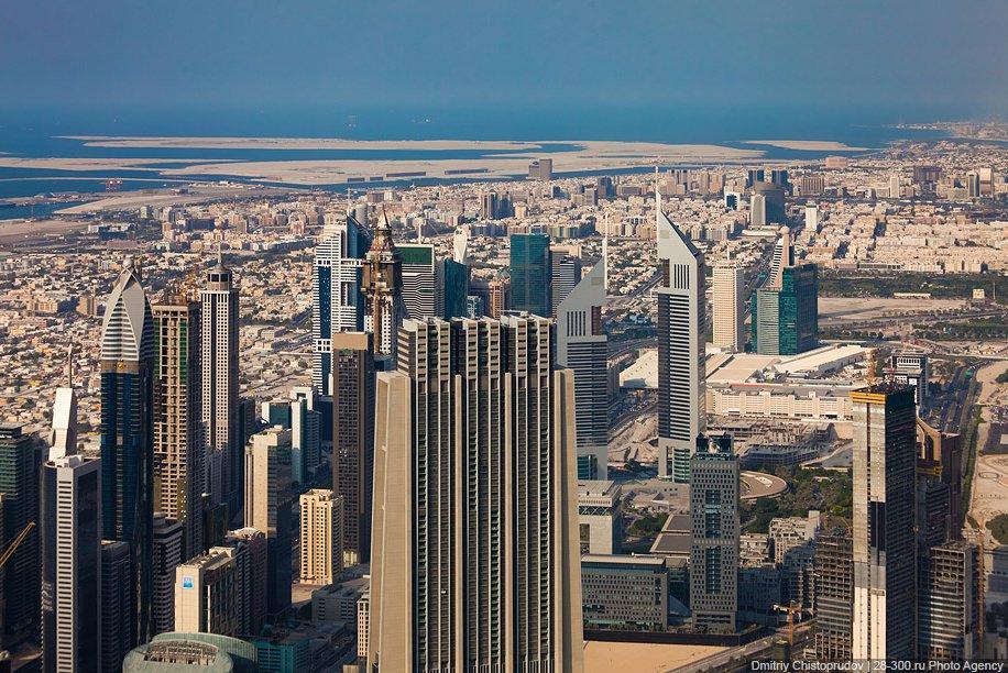 Дубай с высоты самого высокого здания в мире