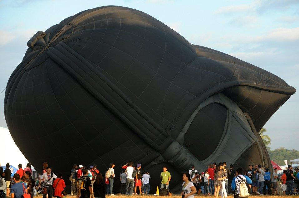 Воздушный шар в виде головы Дарта Вейдера из «Звездных войн»