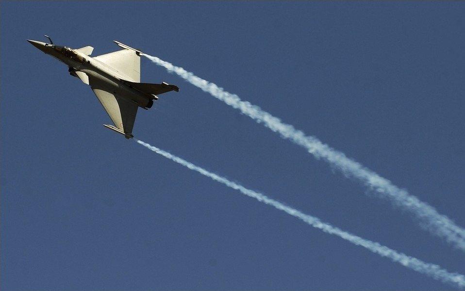 8 февраля 2011 в индийском городе Бангалор открылся международная авиационно-космическая выставка «Аэро Индия 2011»
