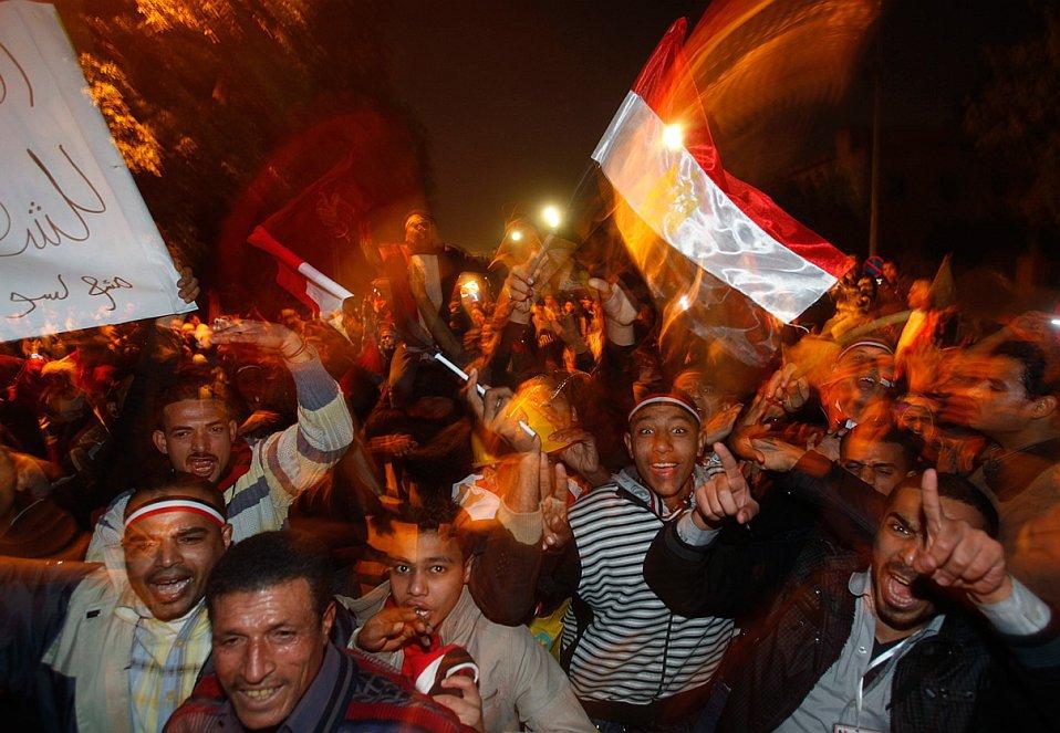 Президент Египта Хосни Мубарак ушел в отставку