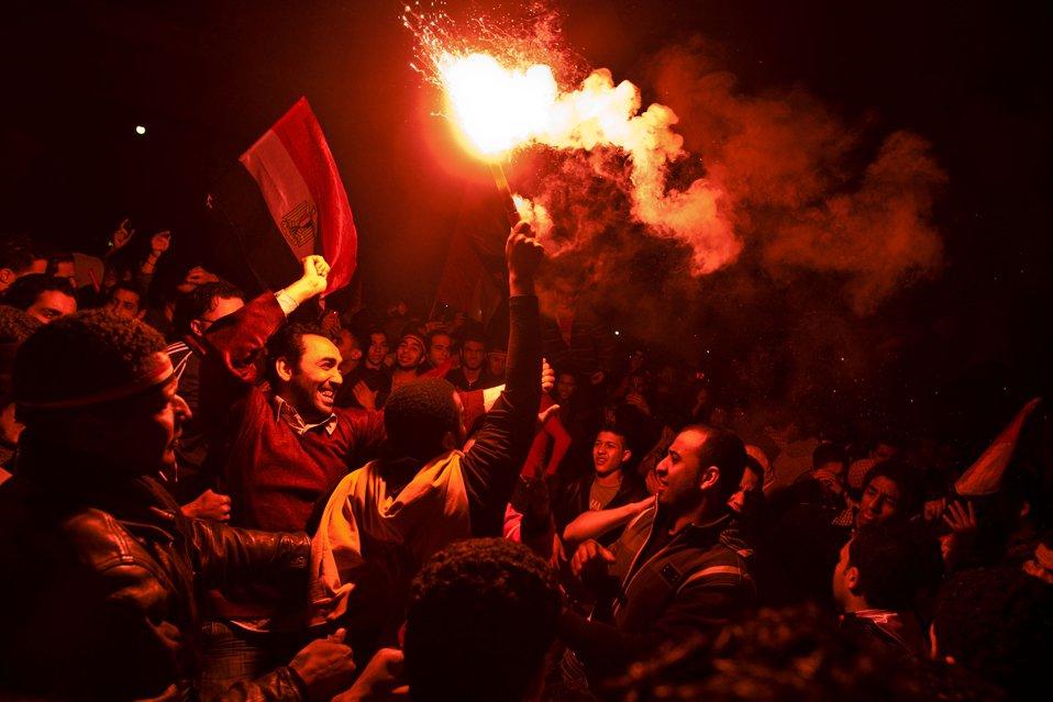 Демонстранты праздновали всю ночь отставку президента Хосни Мубарака