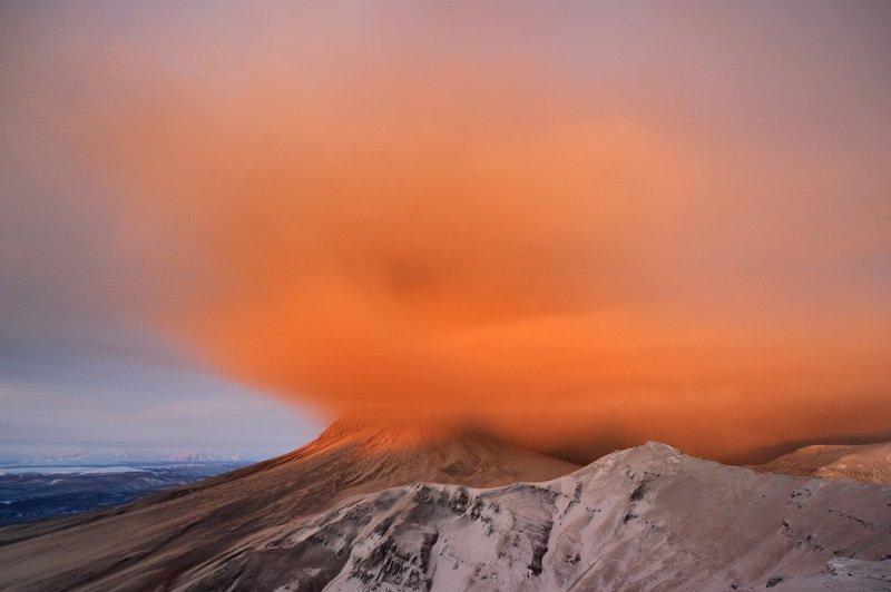 Извержение вулкана Кизимен на Камчатке