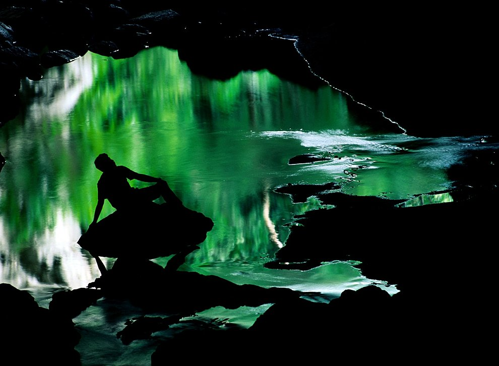 В пещерах Рио Фрио в Белизе