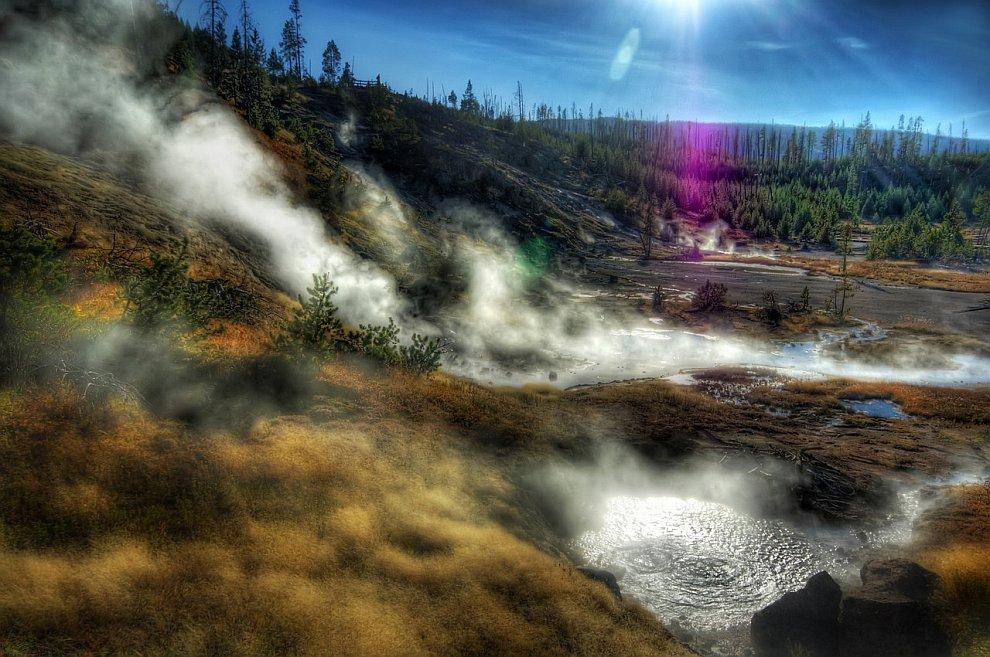 Гидротермальные источники национальном парке Йеллоустоун