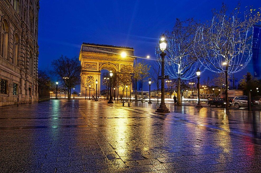 Париж. Труимфальная арка