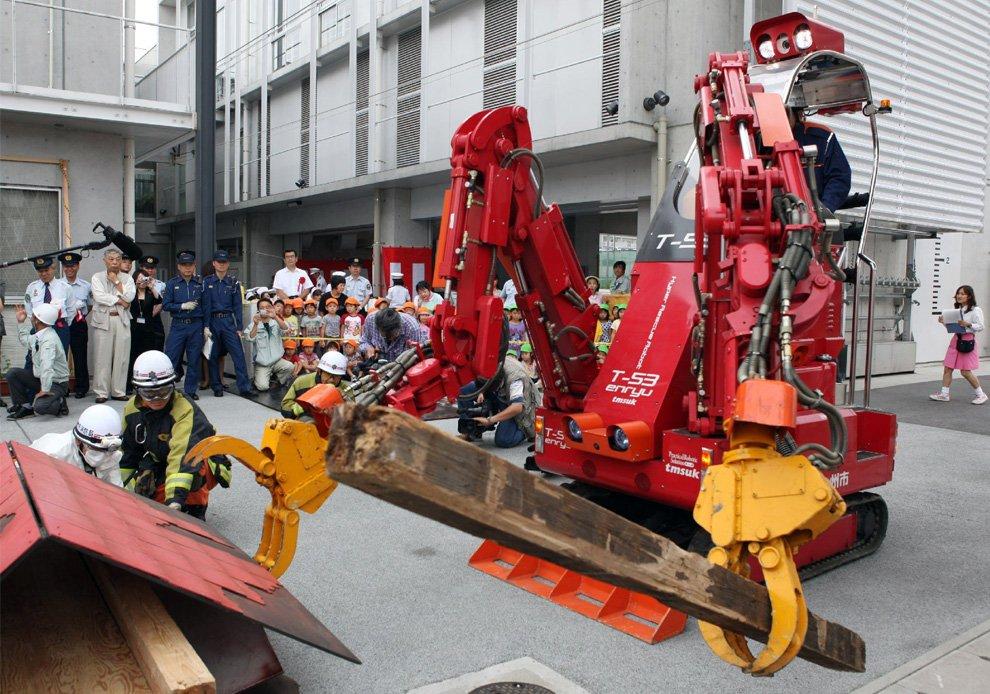 Робот-спасатель T-53 Enryu