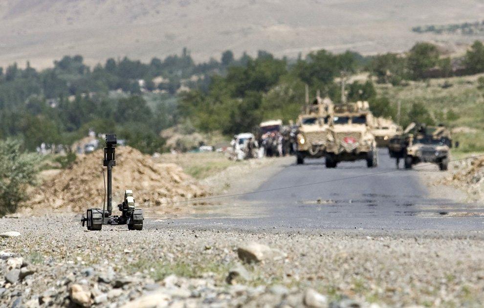 Военный американский робот для поиска самодельных взрывных устройств