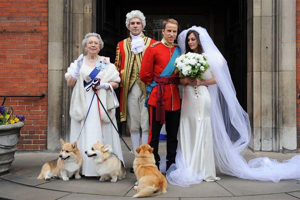 Двойники принца Уильяма и его невесты Кейт Миддлтон побродили по Лондонским улицам
