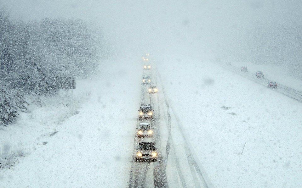 В американских штатах Мэн и Нью-Гемпшир прошла весенняя снежная буря